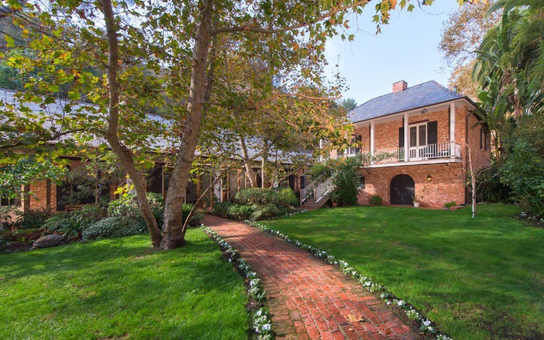 Мишель Пфайффер продала дом в Лос-Анджелесе за 20 миллионов долларов