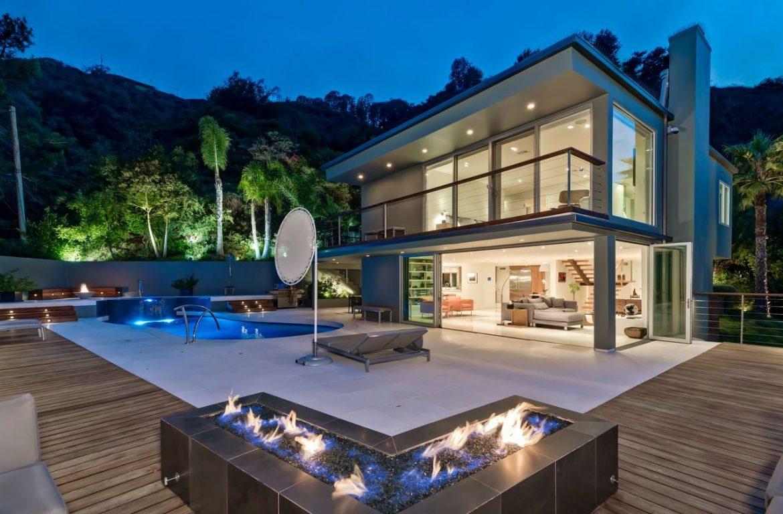 Робби Робертсон продал дом в Беверли-Хиллз за 3,9 миллиона долларов