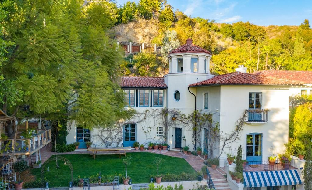 Сэм Тейлор-Джонсон продает виллу в Лос-Анджелесе за 7,5 млн долларов