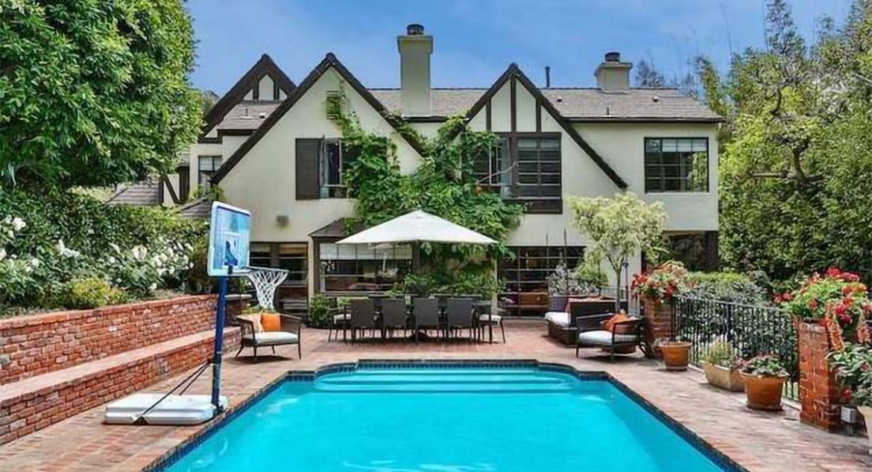 Рианна купила дом в Беверли-Хиллз за 10 млн долларов
