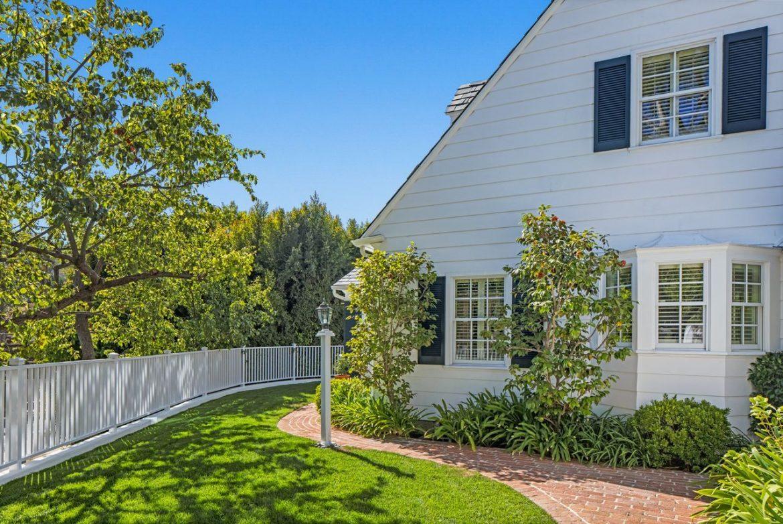 Дом детства Гвинет Пэлтроу в Лос-Анджелесе продается за 3,2 млн долларов