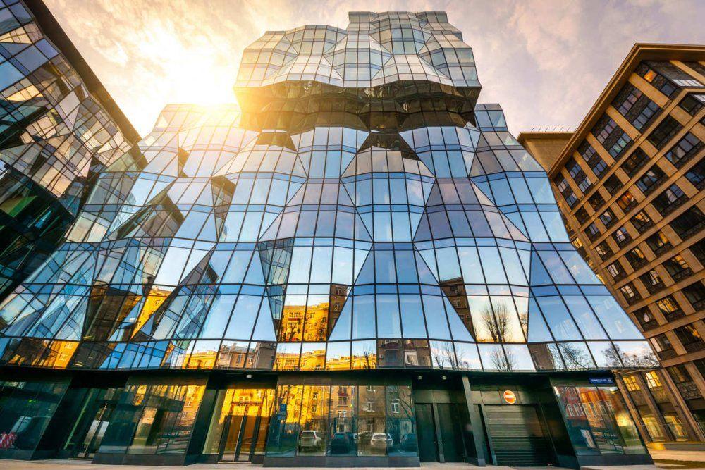 Ozon арендовал более 24 тыс. кв. м. в бизнес-центре Искра Парк