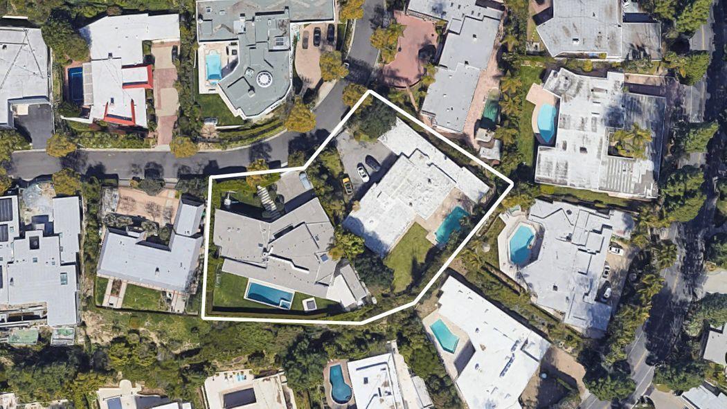 Сэр Элтон Джон купил дом в Лос-Анджелесе за 8,5 млн долларов